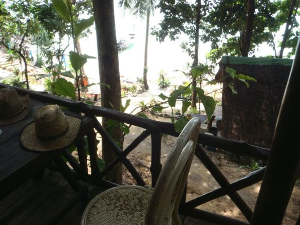 this basic but beautiful bungalow facing the secluded beach in Ao Poh was my pad in Ko Phi Phi, costed me a good 800 baht.